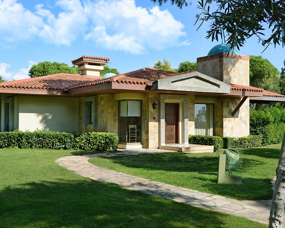 EXECUTIVE-VILLA-GLORIA GOLF