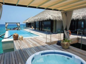 OCEAN POOL HOUSE VELAA PRIVAT ISLAND