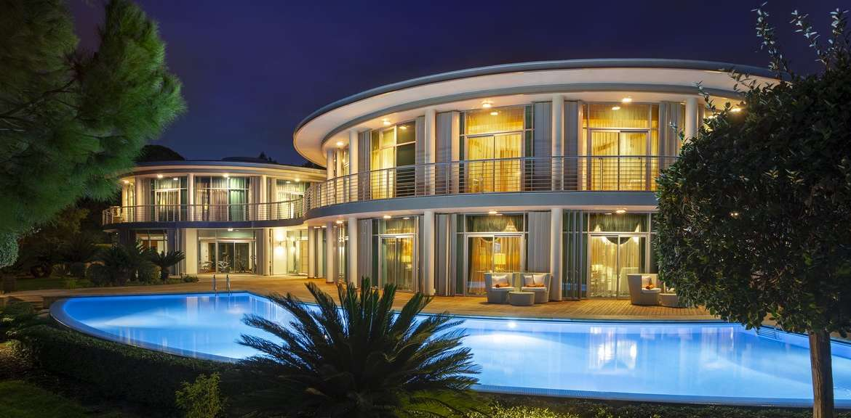 Leo Villa Calista Luxury Resort