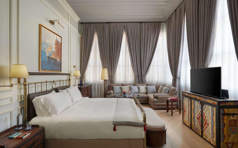 kocatas-mansions-istanbul-turkey-junior_suite_with_tv_lr