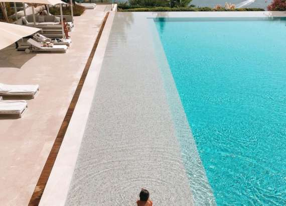 d maris bay pool